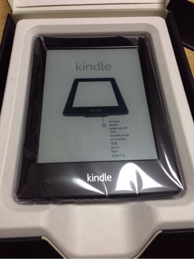 Kindle paperwhite購入。軽い!